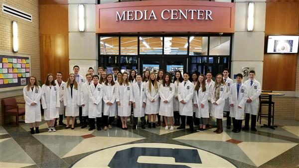 Image of Inductees at the White Coat Ceremony
